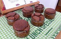 little chocolate cakes