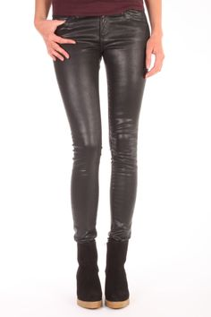 Deze super skinny Jeans, the Legging, van Adriano Goldschmied is coated katoen met stretch. De coating geeft een leatherlook maar is wel zo comfortabel als een stretch jeans. Samenstelling: 80% katoen, 15% modal  en 5% pu. Modal is een hele za Adriano Goldschmied, Super Skinny Jeans, Stretch Jeans, Leather Pants, Fashion, Leather Jogger Pants, Moda, Fashion Styles, Lederhosen