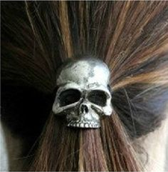 Hair Accessories Gothic Punk Women Girl Skull Nana Ring Elastic Ties Hair Band Rope G Gyaru, Rock Chic, Nana Ring, Girl Skull, Punk Women, Metal Skull, Ombré Hair, Plait Hair, Hair Ponytail