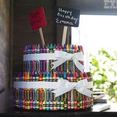 Marky 39 s 2nd birthday on pinterest crayons art party for Do it yourself centerpieces for birthday