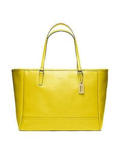 Show Brilliance With #Coach You Will See The Envious Sights Of Others If You Wear It