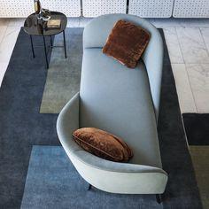 Face to Face Sofa/Chaise Lounge by Gordon Guillaumier Tacchini - Artemest Chaise Sofa, Sofa Chair, Sofa Bed, Swivel Chair, Chair Cushions, Loft Furniture, Furniture Design, Furniture Stores, Deck Furniture