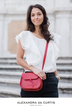 Are you looking for a designer leather handbag? Click through to check out the red Mini Saddle, handmade in Italy with smooth & lightweight Italian leather! Alexandra de Curtis #designerhandbag #leatherhandbag #italianhandbag Italian Leather Handbags, Designer Leather Handbags, Classic Italian, Italian Fashion, Style Inspiration, Purses, Luxury, Mini, Red