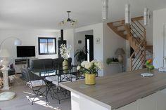 Salon - salle à manger sols carrelage - Loire Atlantique - avril 2014 Interior Design Living Room, Living Room Decor, Bedroom Decor, Bedroom Ideas, Small Room Bedroom, Small Rooms, Beautiful Color Combinations, Sustainable Design, Kitchen Decor