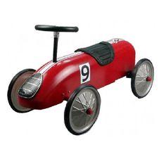 Compra aquí este precioso correpasillos coche de carreras de color rojo con estilo clásico o vintage. Fabricado en chapa metálica perfecto para niños y niñas.