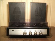 IRT Stereo Action CP-2-C. Tocadiscos estéreo de estado sólido. Fabricado en Chile por Industria de Radio y Televisión S.A