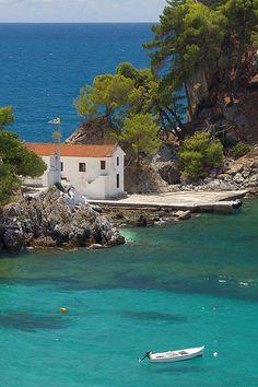 Parga - Greece Epirus Small Panagia Island in the bay of Parga. Mykonos Greece, Athens Greece, Santorini, Crete Greece, Wonderful Places, Beautiful Places, Places To Travel, Places To Visit, Travel Destinations