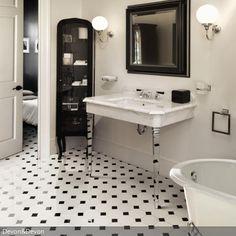 Klassisch, aber außergewöhnlich ist dieses Badezimmer gestaltet. Das Farbkonzept Schwarz-Weiß wurde konsequent verfolgt. Vor allem die transparenten Beine des…