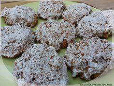 Een heerlijke rijk gevulde koek met appel, kokos en noten. Glutenvrij, zuivelvrij, suikervrij en koolhydraatarm. Met of zonder glazuur een ware lekkernij.