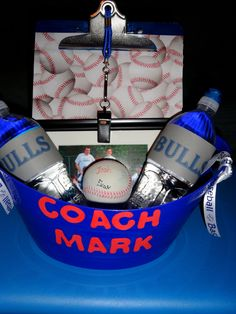 Coaches gift - this is for baseball nut could be easily modified for any other sport Baseball Coach Gifts, Soccer Gifts, Team Gifts, Baseball Mom, Rockies Baseball, Kids Football, Coach Appreciation Gifts, Baseball Birthday, Baseball Party