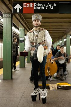 NYC subway performers - are the heels really necessary????