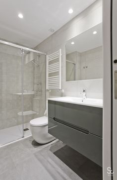 Ensuite Bathrooms, Bathroom Toilets, Small Bathroom, Master Bathroom, Kitchen Room Design, Bathroom Interior Design, Modern Vintage Bathroom, Minimalist Bathroom, Bath Remodel