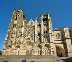 The Cathedrale St-Etienne is a magnificent early Gothic structure very much on par with its more famous neighbours to the north, Chartres . Gothic Architecture, Architecture Details, France Love, St Etienne, Clermont Ferrand, Amiens, Cathedral Church, Old Churches, Place Of Worship