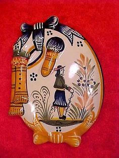 French-Henriot-Quimper-Covered-Bag-Pipe-Cheese-or-Butter-Dish-ff254