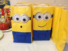Despicable Me Birthday Party Minion Treat Goody Bags via Etsy. No longer available. Could make for Bridies birthday. Minion Theme, Minion Birthday, Baby Birthday, Despicable Me Party, Minion Party, Party Decoration, Goodie Bags, Candy Bags, Treat Bags