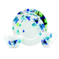 Another gorgeous, girly pattern. #Dishes #China