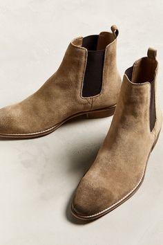 UO Dress Chelsea Men Boots under and styled outfit. - Mens Boots - Ideas of Mens boots Mens Suede Boots, Leather Boots, Mens Shoes Boots, Ankle Boots For Men, Mens Boots Style, Suede Leather, Chelsea Boots Outfit, Chelsea Boots For Men, Suede Chelsea Boots