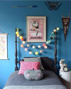 kids room on point  #brightlablights click through for more!   by @modernkids