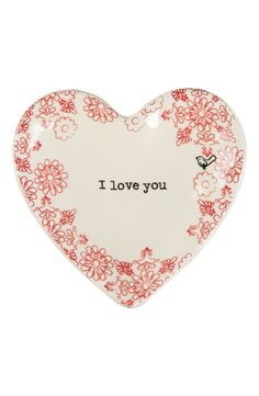 How cute is this adorable trinket tray in the shape of a heart? This will be a great gift for loved ones as a constant reminder.