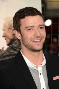 """Justin Timberlake Photos Photos - Actor Justin Timberlake arrives at Warner Bros. Pictures' """"Trouble With The Curve"""" premiere at Regency Village Theatre on September 19, 2012 in Westwood, California. - Premiere Of Warner Bros. Pictures' """"Trouble With The Curve"""" - Arrivals"""