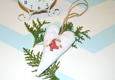 Fabric Christmas heart Christmas Hearts, Christmas Ornaments, Furniture Restoration, Diy Stuff, Wedding Decorations, Shabby Chic, Objects, Diy Projects, Holiday Decor