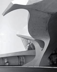 Eero Saarinen and Associates, Trans World Airlines (TWA) Terminal, JFK Airport, New York, USA, 1962.
