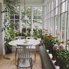 25 Wonderful Farmhouse Sunroom Decor Ideas And Remodel. If you are looking for Farmhouse Sunroom Decor Ideas And Remodel, You come to the right place. Below are the Farmhouse Sunroom Decor Ideas And . Sunroom Decorating, Sunroom Ideas, Conservatory Ideas Sunroom, Solarium Room, Small Sunroom, Enclosed Porches, House With Porch, House Roof, Rugs In Living Room