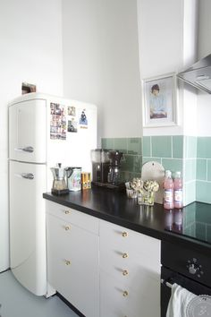 Home Visits, cute kitchen, mint green tiles