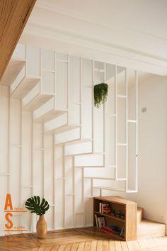 escalier, ateliers tristan & sagitta, métal laqué blanc, suspendu, époxy