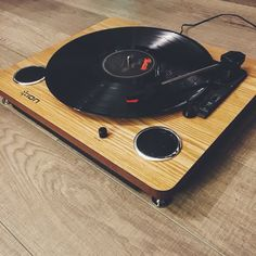 The Archive LP from ION Audio brings your vinyl to life! Handsome natural wood surface and built in stereo speakers at an affordable price! You can also transfer your vinyl records into your computer and store them in your devices! I love it!