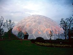 The ETFE dome Nantong Park Bon-Garden Greenhouse in Nantong, China. Dome Structure, Fabric Structure, Tensile Structures, Parametric Design, Roof Architecture, Roofing Systems, Earthship, Winter, Facade