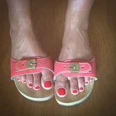 Sexy Sandals, Summer Sandals, Dr Scholls Sandals, Wooden Sandals, Chunky Shoes, Birkenstock, Clogs, Instagram, Fashion
