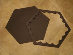 Cut a frame or boarder from foam board Fun Board Games, Diy Games, Game Boards, Small Woodworking Projects, Wood Projects, Crafts To Make, Fun Crafts, Catan Board, Settlers Of Catan