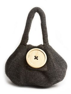 Love this bag from the first time I saw it.