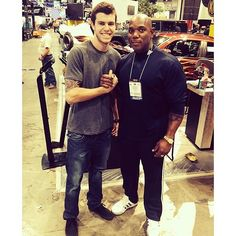 Regram from @fesler2. . . . Throwback a few years with @officialflexwheeler at SEMA! #tbt #throwbackthursday #throwback #thursday #flex #flexwheeler #bodybuilder #pro #ifbb #arnoldclassic #winner #fit #fitfam #fitness #oneofthegreats #sema #fesler #feslerbuilt #feslernation #me #inspiration #workout #health #protein #massive #huge #tattoo