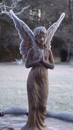 Frosty angel statue in winter. Cemetery Angels, Cemetery Statues, Cemetery Art, Angels Among Us, Angels And Demons, Statue Ange, I Believe In Angels, Ange Demon, Angels In Heaven
