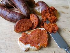 Nduja - Spicy Calabrian sausage www. Chorizo, Other Meat Recipes, Homemade Sausage Recipes, Homemade Food, How To Make Sausage, Sausage Making, Charcuterie And Cheese Board, Bacon Sausage, Kitchen