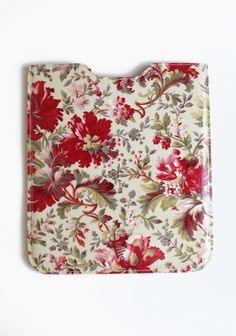 ipad case - much prettier than the black thing I have!  Looks easy to make...could use some beautiful Calico Corners fabric!