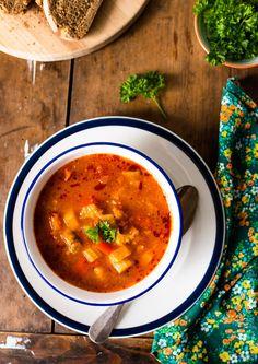 Zupa gulaszowa Ethnic Recipes, Food, Essen, Meals, Yemek, Eten