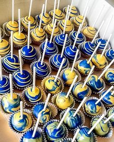 University of Michigan themed cake pops. #maizeandblue #UofM #Wolverines