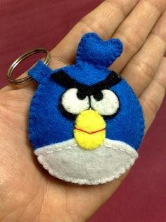 favor/craft idea - angry bird keychain make these Sharon and kelly!