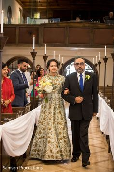 Indian bride walking down the aisle Sikh Wedding, Wedding Ceremony, Wedding Dresses, Wedding Designs, Wedding Styles, South Asian Wedding, Walking Down The Aisle, Wedding Planning, Wedding Inspiration