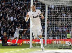 Karim Benzema vs Barcelona. (12/13)