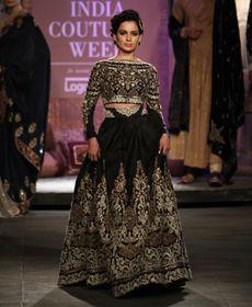 Anju Modi at India Couture Week 2014 Indian Wedding Fashion, Indian Bridal Outfits, Indian Designer Outfits, Indian Dresses, Chandigarh, Bridal Elegance, Evening Outfits, Evening Dresses, Indian Couture