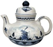 """DeWit Delft Teapot, 7.5"""""""