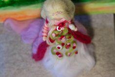 Dornröschen aus Märchenwolle, fairy, felt, wool, craft, jahreszeitentisch, märchenwolle, waldorf, sleeping beauty