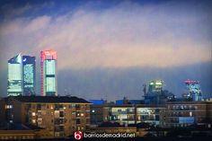Precioso anochecer en Madrid en estos momentos  © www.barriosdemadrid.net #Madrid #Skyline #Atardecer