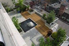 rooftop garden A penthouse suite terrace on two levels with southern and eastern exposure. Eramosa limestone and clear cedar deck sections create a graphic. Backyard Garden Landscape, Small Backyard Gardens, Terrace Garden, Outdoor Gardens, Roof Gardens, Small Gardens, Sky Garden, Large Backyard, Garden Pond