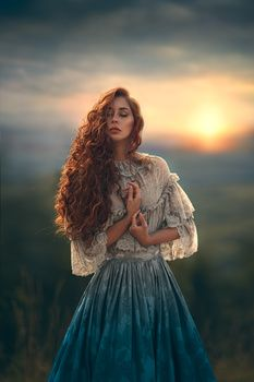 Redhead in historical dress at peace. Sunset, glow, closed eyes Redhead in historical dress at peace. Fantasy Photography, Portrait Photography, People Photography, Ghost Photography, Foto Fantasy, Wow Photo, Fashion Photography Inspiration, Portrait Inspiration, Fantasy Inspiration