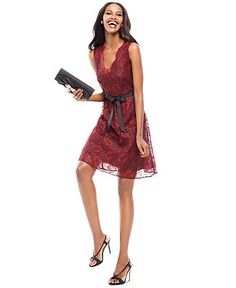 Chic Holiday Dresses